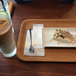 オニヤンマ コーヒー&ビア - アイスラテとカタラーナ