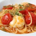 ミニトマトとモッツァレラのトマトソース