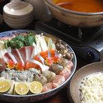 びんび - 料理写真:今シーズンイチ押し!海鮮鍋。2名様から。宴会コースはセットで5000円(4名様以上・飲み放題付)