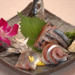 びんび - お刺身は毎日替わる「おすすめメニュー」でご案内しています。