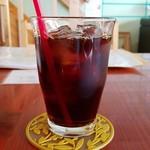 アチャカフェ - 食後のアイスコーヒー(380円)です。