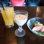 59233507 - コーンとジャガイモのスープ・生ハムのサラダ・オレンジジュース