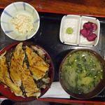 魚けん - 穴子丼980円