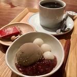 入口屋 - 朝の甘味セット(ドリンク代+150円)