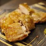 日本酒BAR 希紡庵 - ホロホロ鳥もも肉の塩焼き