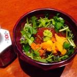 壱乃藏 - 追加で頼んだウニいくら丼¥1600円 椀に近く食べやすい