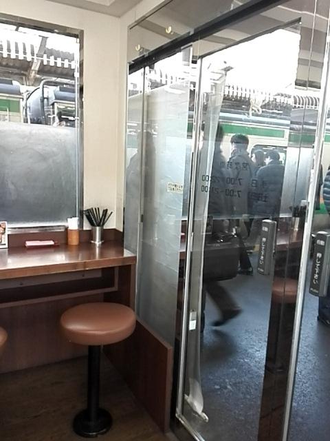 駅そば 大江戸そば 赤羽3・4番ホーム店 - 内観