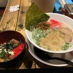柳屋 - 喜ランチ / 替玉一玉サービス