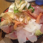 59249884 - 豪華な海鮮丼です