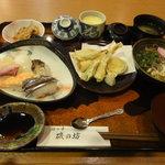 海の幸 磯の坊 - 選べる御膳(1,050円)寿しと天ぷらを選択しました。