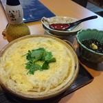 島田屋 - 白魚卵とじともずく酢と八海山