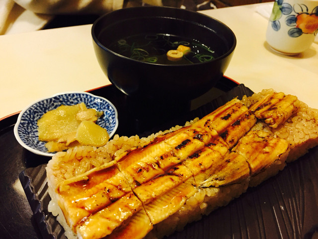 炭焼あなご やま義 - あなご寿司¥1000