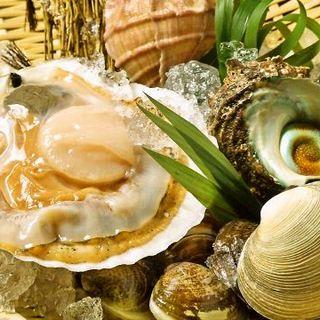 生きてる新鮮な貝を使用した浜焼