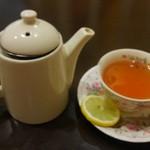 カフェサンドキッチン - セットのポット紅茶