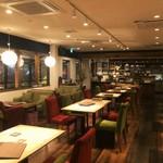 maroon cafe -