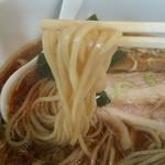 らーめんハウス筑波 - こだわりの自家製麺は、もっちりつるつる。