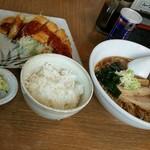 らーめんハウス筑波 - らーめんセット。980円