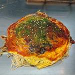 お好み焼き まつうら - 料理写真:肉玉そば+イカ天+大葉