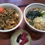 山田うどん食堂 - 日替わりセット(牛スタミナ丼+温そば)