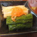 南国酒家 - 白菜ときゅうりの甘酢漬け130円