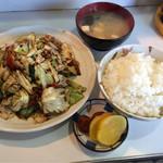 丸新 - 料理写真:キャベツ肉味噌炒定食 600円