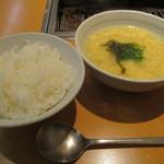 59270152 - ご飯(200円)、玉子スープ(300円) (2016.10)