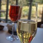 メゾン ラフィット - ノンアルスパークリング グラスワインセットあり