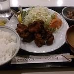 キッチン ボンシェール - 唐揚げ定食 770円