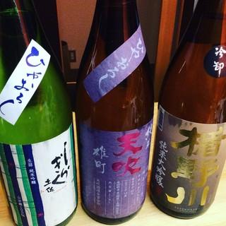 お料理に良く合う日本酒をご用意。