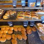 パン工房 ペシュ - 総菜パンがお得意のようです。