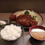 味のとんかつ 丸一 - 上ロース定食(2100円)