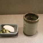 味のとんかつ 丸一 - 鹿児島伝統の漬物とお茶