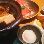 はくよ庵 - トマトすき焼きとヒレカツ、温泉玉子  スタミナメニューですね。