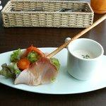 5929308 - ランチの前菜:寒ブリのインサラータとカブのスープ