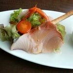 5929310 - ランチの前菜:寒ブリのインサラータのアップ