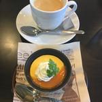 カフェ ジョウレン じょうれん さぼう - 料理写真:パンプキンプリンのドリンクセット@594円