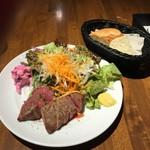Bistro WARAKU - ステーキランチ120g 自家野菜に紫蘇風味のポテサラ付き