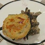 伊勢山ヒルズ - 結婚披露宴 @伊勢山ヒルズ ヴェネチア グランデ 栄螺のパイ包み焼き 風味豊かなブルギニオンバター