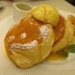 幸せのパンケーキ - カラメルソースオンザ幸せのパンケーキ