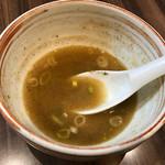 59305146 - スープ割 ※器を手渡すと、店側で注いでくれます