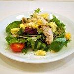 IL BRACINO - 九州ハーブ鶏の炙り焼きとバルサミコ酢をきかせたサラダ