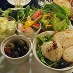 ワインバル 博多うきしま倉庫 - 惣菜盛り合わせ
