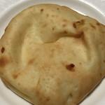 ローソン - 料理写真:とろ〜りとしたチーズクルチャ