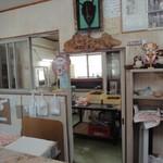 奥原菓子店 - 作業場をのぞく