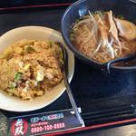 アジアダイニング無双 - 料理写真:ランチセット  720円。醤油ラーメンとチャーハン