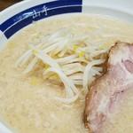 山手ラーメン - ゆきラーメンは塩豚骨スープ。無化調です 2016.11