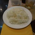 ステーキハウス ジャンジャン -  白いご飯です。