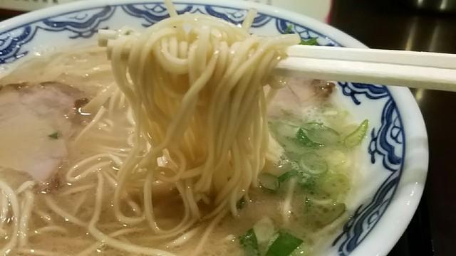 博多麺房 赤のれん - 麺リフト