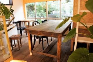 ココフル カフェ - 内観 古河庭園側の席