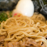 肉玉そば おとど - 2016.11 北海道産希少小麦「春よ恋」使用、カネジン食品の中太麺